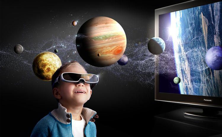 Gyermek 3D televiziót nézve 5212e18494